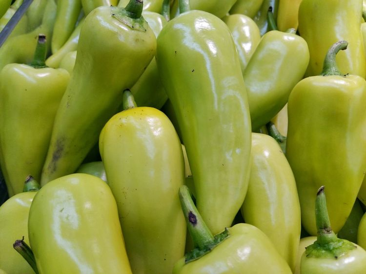 Backgrounds Close-up Food Food And Drink For Sale Freshness Full Frame Green Color Healthy Eating Market Market Stall No People Pepper Retail  Ripe Vegetable Wellbeing พริก รสเผ็ด