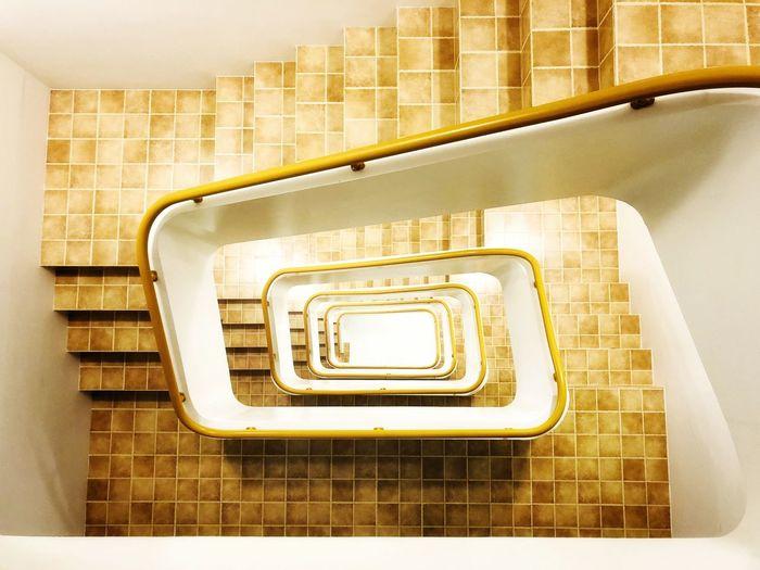 旋梯 Caracole Spiral Staircase Steps And Staircases Spiral Steps Staircase Railing Architecture Built Structure Building Exterior Stairs Building Story High Rise