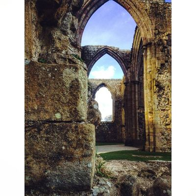 BoltonAbbey Yorkshire CapturingBritain Igersyorkshire Ukpotd Fiftyshades_of_history Historicbuilding Ig_britishisles Nexus_nation Rsa_doorsandwindows