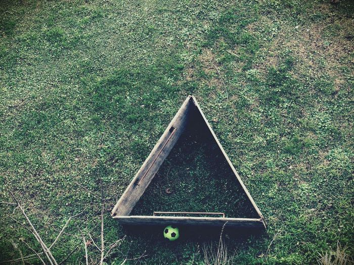 Triangle Shape Green Color No People Close-up Day Outdoors Scenics Tranquil Scene