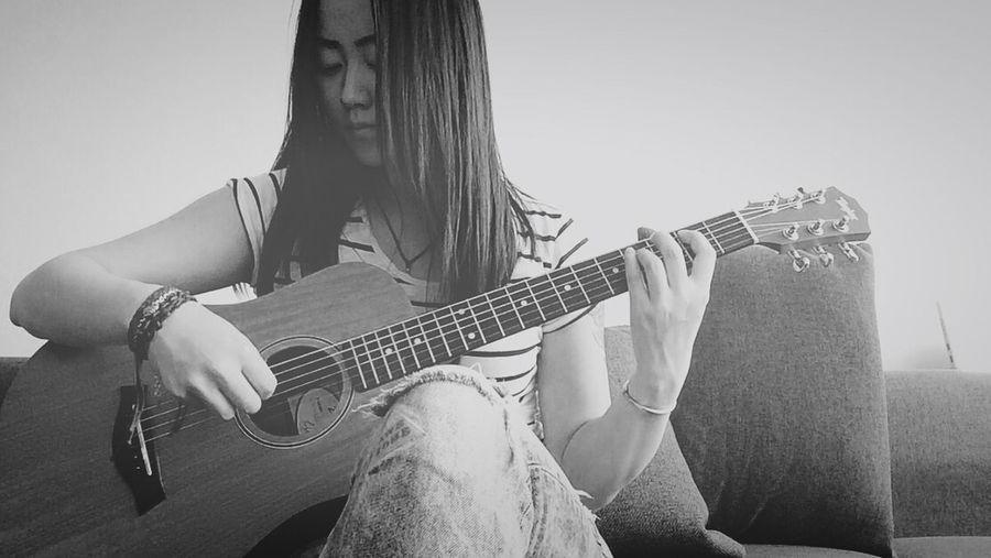 Guitar PlayingGuitar Blackandwhite Girl Taylor FadeToBlack Selfportrait Netherlands