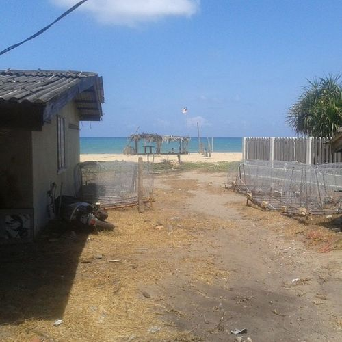 Wht a bright day!!! Pantai blkg umah Jom mandi laut Pantai Telipot