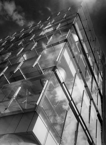 No People Cloud - Sky Outdoors Architecture Sky Building Exterior France🇫🇷 The Architect - 2017 EyeEm Awards From My Polnt Of View IGN Saint Mandé Blackandwhite Black And White Blackandwhite Photography Black And White Photography Samsung Galaxy S7 Edge Simple Moment BYOPaper! Ordinary Scene Window Built Structure