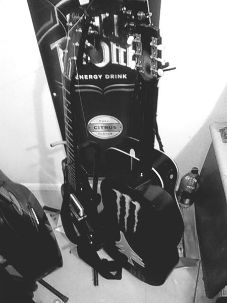Gonna play guitar kick back blaze up ;) My Unique Style Enjoyinglife  RezLife 3rdworld AZ Guitar Blowing Trees Black & White