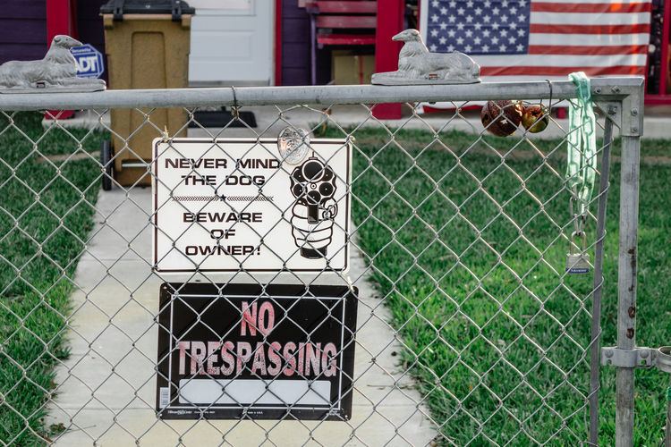 No Respassing American Austin Chainlink Fence Gun Gun Sign Metal No Trespassing Outdoors Protection Safety Security Sign BYOPaper! Live For The Story