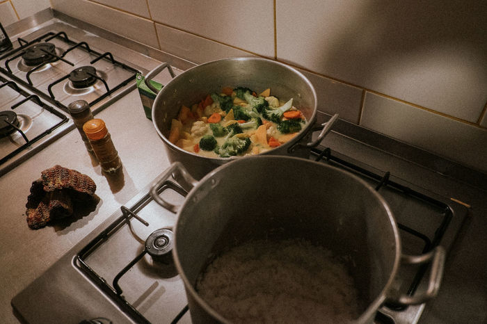 Burner - Stove Top Cooking Cooking Pan Curry Day Domestic Kitchen Food Food And Drink Freshness Gas Stove Burner Healthy Eating High Angle View Home Interior Indoors  Kitchen No People Pan Pot Preparation  Ready-to-eat Stove Stove Vegetable Vegetables