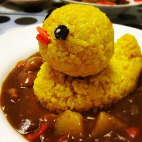 Remember the giant rubber ducky in hong kong? In curry rice form. Somehow the curry at the bottom reminds me of something not too appetizing. Giantrubberducky HongKong Curryrice