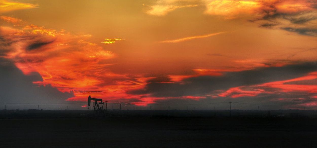 Eye4photography  Open Edit Photoart Fine Art Photography This Week On Eyeem Golden Hour West Texas Sunrise_sunsets_aroundworld West Texas Skies Sunset #sun #clouds #skylovers Sky Nature Beautifulinnature Naturalbeauty Photography Landscape [ [a: Pump Jack With Sun Setting Behind It Pump Jack Oilfield Oil oil
