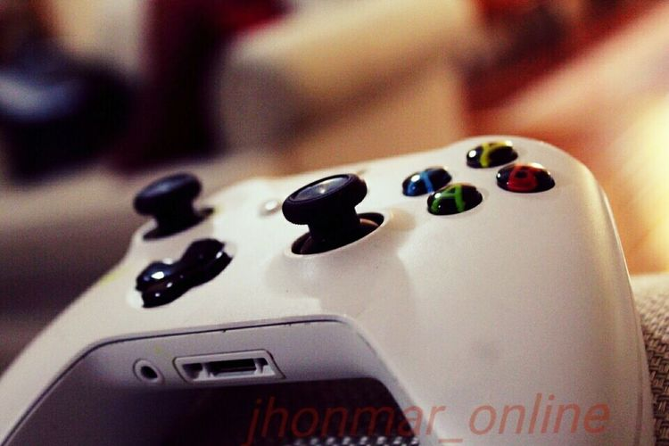 Xbox #xboxone #xboxlive #xbox1 #xboxgamer #minecraftxbox #xboxcontroller #xboxones #voxbox #teamxbox #minecraftxbox360 Xbox_one Xboxgames Arts Culture And Entertainment Close-up Indoors  Music Musical Instrument Business Finance And Industry Technology No People Day