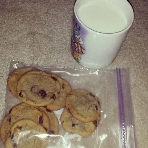 Tollhouse Cookies are the best. I L♥VE a Milkandcookies kind of Night lol