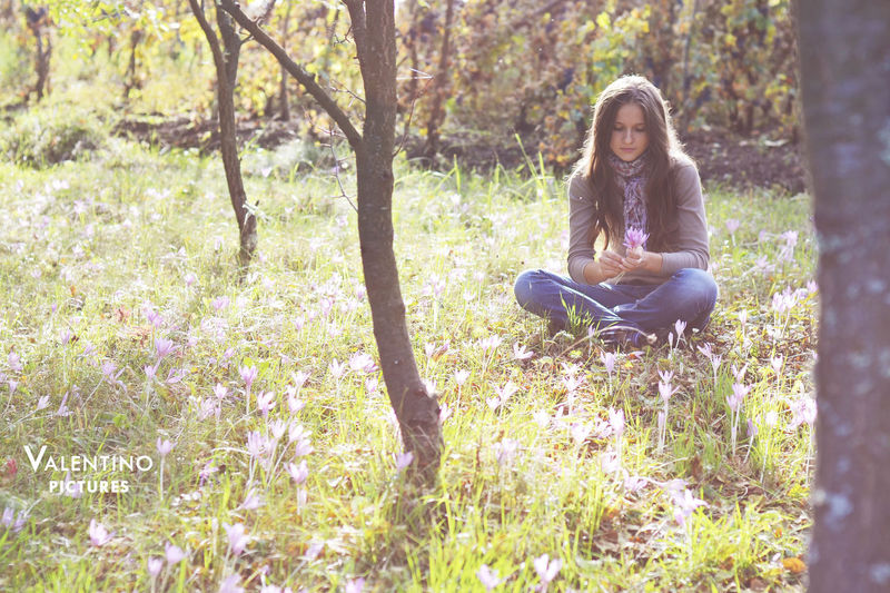 #flowers #girl #girlythings  Beauty Beauty In Nature Day Day Dreaming Flower Forest Grass Nature One Person Outdoors People Portrait Sitting Tree Women