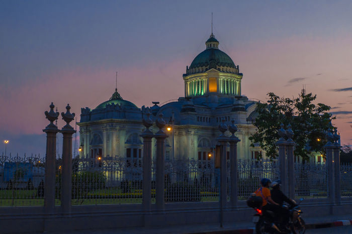 Ananta Samakhom Throne Hall Thailand Ananta Samakhom Throne Hall Architecture Architecture Building DAY TO Night Evening Festival Human Light Low Light Mass Neo Classical Architechture Neo Renaissance Night Outdoors People Sky Tourism