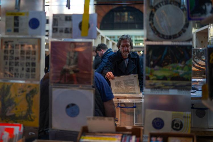 From EyeEm London photowalk EyeEmInLondon Market Vinyl Browsingitaly Day Men People Real People Recording Studio Records