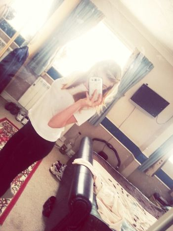 Wearing An Old Top To Redecorate!