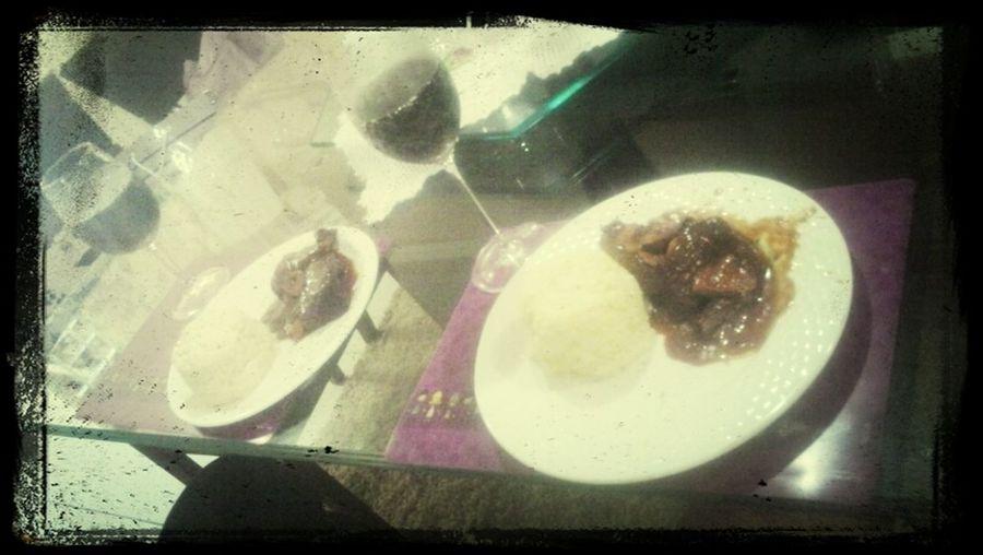 almoço de casal... Carne Assada ao Molho madeira com Arroz a Piamontese.