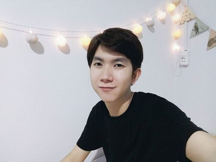 Ăn sinh nhật sớm ... ngẫm lại 23 tuổi rồi ư ?! Cứ ngỡ là 18 thôi mà ! 😇😇😇 Vietnamboy Vietnam Boy Chinaboy Asian  Selfie Beauty Boys Cool Followme Funny Happy Heart Hot Instaman Male Males  Man Me Men Greattime