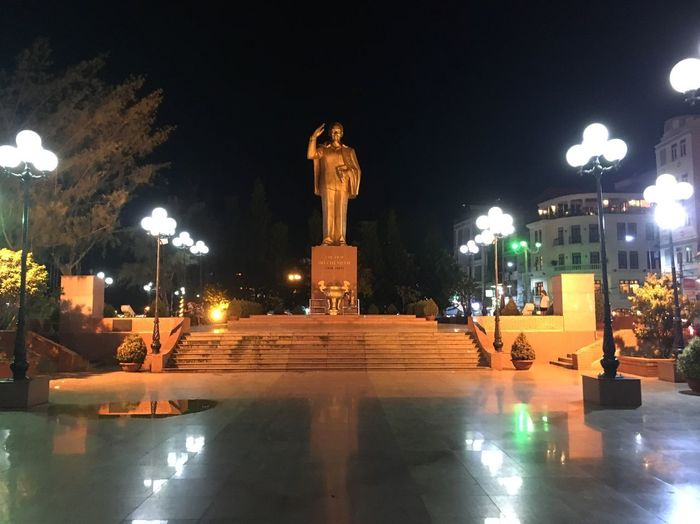 Ho Chi Minh statue at night in Can Tho, Vietnam Communist Vietnam Can Tho Ho Chi Minh Night Illuminated Architecture Street Light Street City Built Structure No People Outdoors