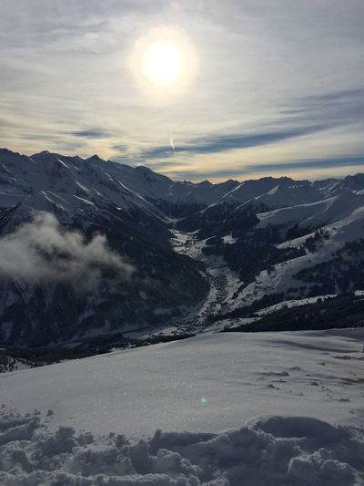 Skiing Ski Austria Hintertuxer Gletscher Mayrhofen Zillertal 2015  January