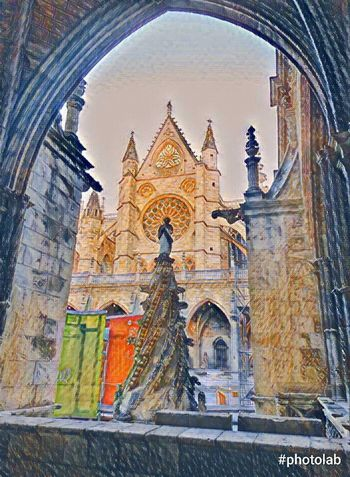 Catedral León - España Religion Architecture Built Structure Travel Destinations Building Exterior Place Of Worship Spirituality History Arch No People Outdoors Day Sky