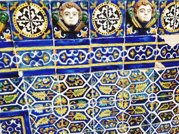 Lambrin de azulejos de Talavera poblana Architecture Mexican Culture Historical Building Angels Angel Decoration Talavera Poblana