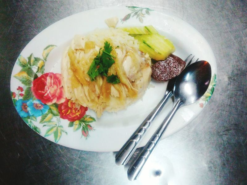 Chicken and rice Plate Indoors  Freshness Spoon Ready-to-eat Food And Drink Fork No People Close-up Table Healthy Eating Day Food Thai Food Si Racha Cuisine Menu Rice - Food Staple Chicken Rice Food And Drink Street Food Fork Thailand Delicious
