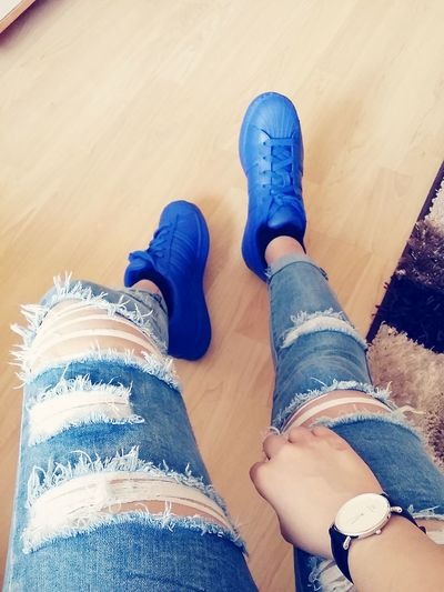 Ripped Jeans Danielwellington Adidasoriginals Superstar Supercolor Pharrellwilliams Blue