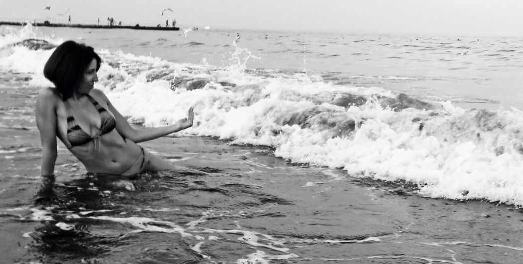 Come on Bw_collection Fortheloveofblackandwhite Life Is A Beach Water_collection Captured Moment EyeEm Nature Lover Monochrome Blackandwhite Beachphotography in Love ♥