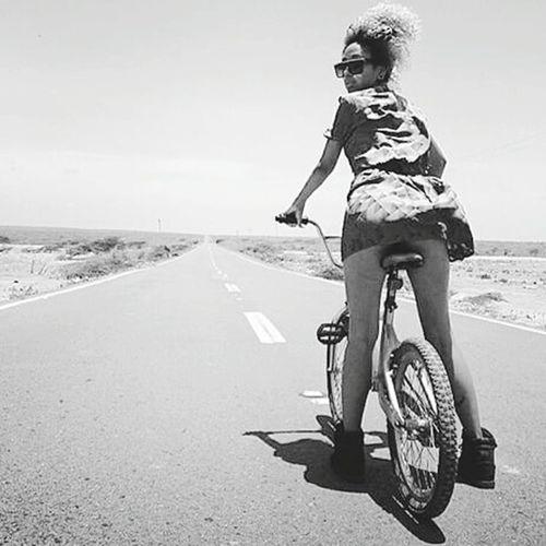 Sexygirl Streetphoto_bw Monocromatico Photooftheday Bicicleta Blackandwhite Photography Nigga Las Vegas Blackandwhite Las Vegas Strip