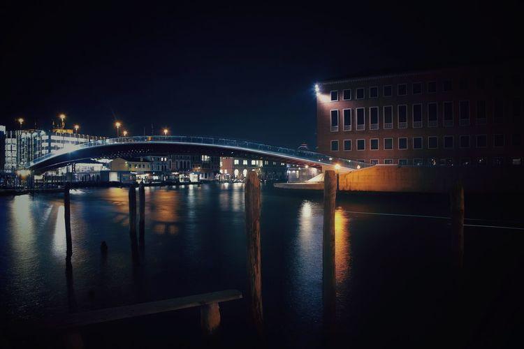 Venice's winter night Calatrava Calatravaarchitecture City Cityscape Water Illuminated Nightlife Arts Culture And Entertainment Urban Skyline Architecture Sky Built Structure Bridge - Man Made Structure Engineering 17.62°