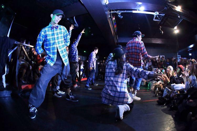 The Secret Dance Party By Japanese Disney Dancers.1