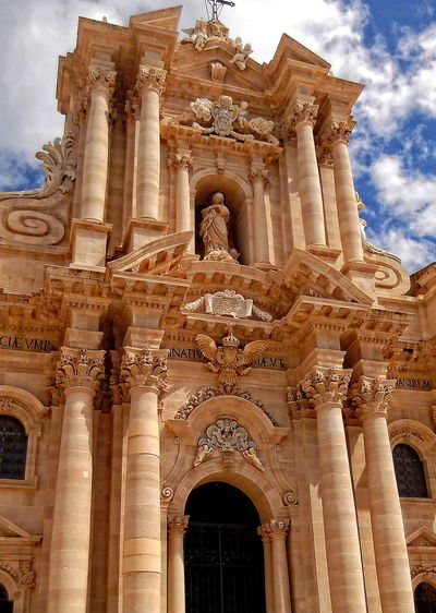 Architectural Elements Architecture Building Exterior Cattedrale Della Natività Di Maria Santissima Cattedrale Di Siracusa Columns History No People Outdoors Place Of Worship Religion Sculptures Sicilia Siracusa Sicily Sky Clouds Spirituality Stile Barocco Travel Destinations UNESCO World Heritage Site