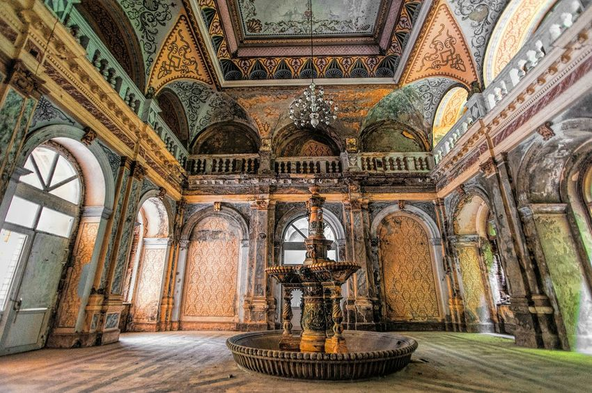 Amazing Architecture Beauty Of Decay Urban Decay Decay And Dereliction Architecturelovers Historical Monuments Decay