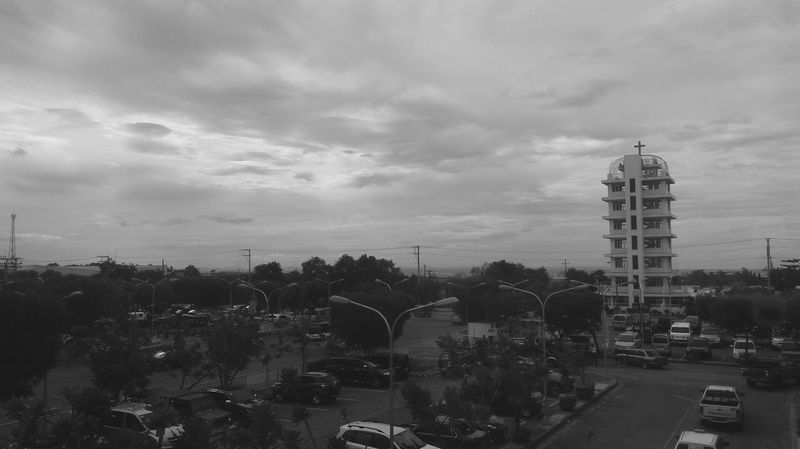 EyeEm Best Shots Day Tree City No People Nature Sky Outdoors Bnw
