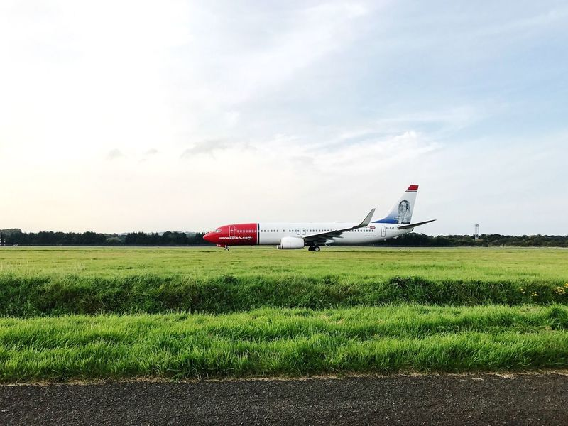 Aircraft Norwegian Runway Boeing Transportation Airplane Airport Edinburgh Holiday