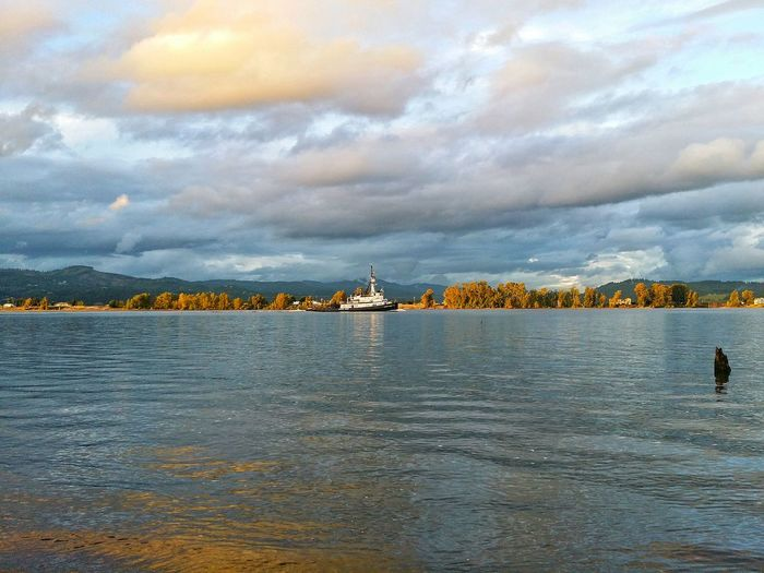 Tug Boat Pixi Park Columbia City Oregon Columbia River Boat