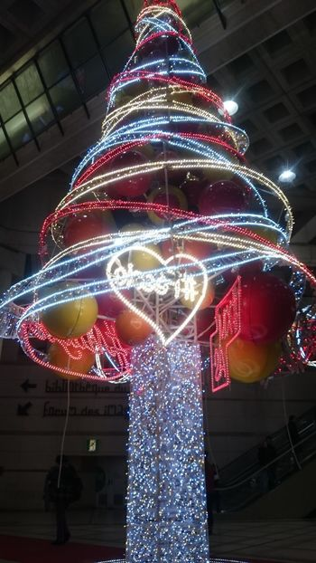 No Edit/no Filter Châtelet Les Halles Paris Christmas Tree
