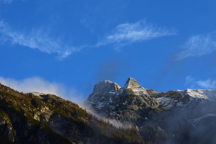 Sky Cloud - Sky Mountain Beauty In Nature Scenics - Nature Tranquility Tranquil Scene Rock Nature Mountain Range Mountain Peak Day Blue Non-urban Scene No People Rock - Object Environment Snow Solid Idyllic Outdoors Formation Snowcapped Mountain MountainLovers Natureisawesome Morning Clear Up Silberspitze The Great Outdoors - 2019 EyeEm Awards