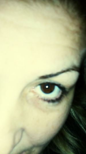 Oko Human Eye Close-up Human Face People Looking At Camera One Woman Only Human Body Part One Person Eyesight Iris - Eye Adult Eyebrow Portrait Eyeball Adults Only Sensory Perception Eyelash Young Adult Indoors  Day First Eyeem Photo