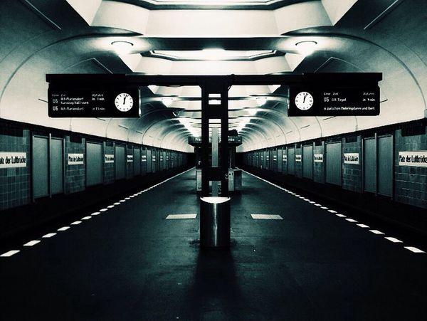 Berlin Underground Ubahn Berlin Ubahn Platz Der Luftbrücke