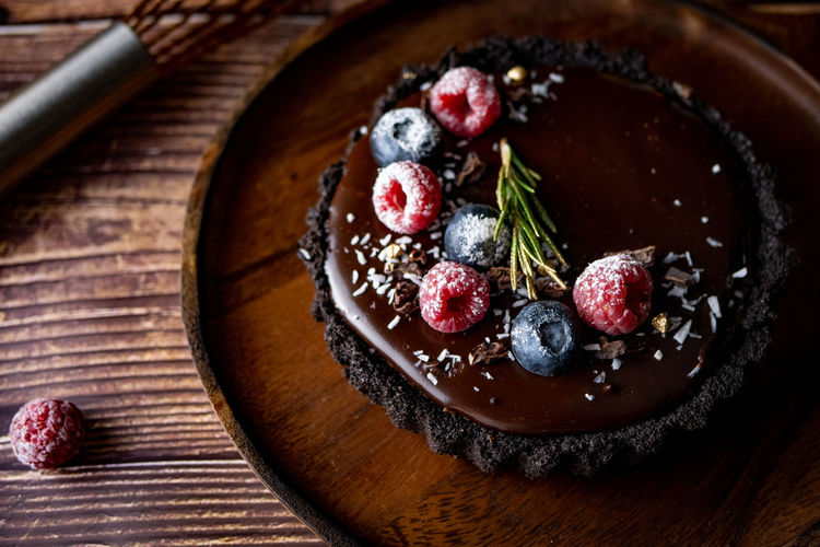 Food And Drink Food Fruit Freshness Berry Fruit Healthy Eating Sweet Food Sweet Raspberry Dessert Ready-to-eat Indulgence Cake Indoors  No People Blueberry Wood - Material Temptation Baked Table Herb Baked Pastry Item