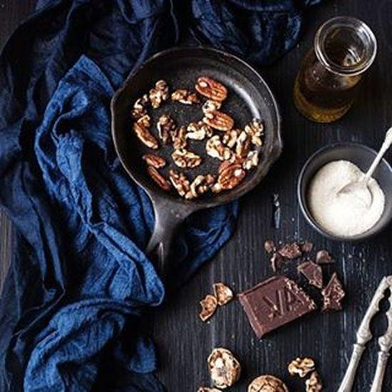 Chocolate Valrhona Valrhonachocolate Baking Foodstyling Foodphotography Vegan VEGANLIFE Dark Darkfood Foodstagram Foodshare Black