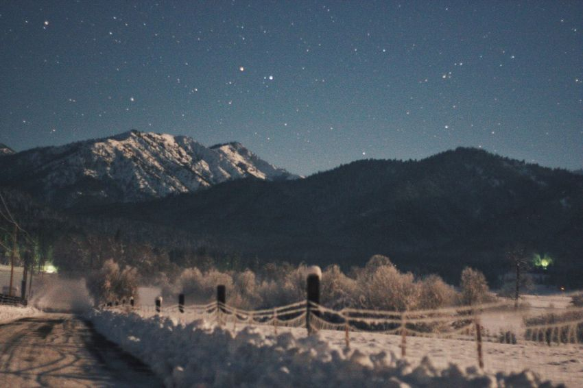 Night Mountain Snow Star - Space Beauty In Nature Winter Nature Building Exterior Cold Temperature No People Tree House Landscape Mountain Range Tranquility Scenics Illuminated Outdoors Constellation