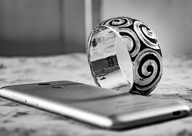 Lieblingsteil No People Close-up Indoors  Day DSLR EyeEmNewHere Blackandwhite NIKON D5300 India Mobile Phone Bangles Smartphone GadgetsRedmiNote Eyeemphotography Photography Macro Amateurphotographer  NikonAsia