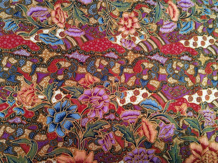 ผ้าปาเต๊ะ ผ้าไทย Thai Fabric Pattern Thai Fabric Fabric Backgrounds Full Frame Pattern Textile Multi Colored No People Textured  Close-up Indoors  Day