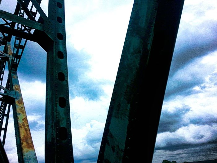 TruthIsBeauty Outta Town 🌎 Outdoor Photography On The Road Eyeyem Travel Collection Going To Visit Family 💖 Hello World Tennessee Bound! Travel Photography Taking Photos JustJennifer@TruthIsBeauty TruthIsBeauty Photographic Art 🌷 TruthIsBeauty ✌ TruthIsBeauty 💯 Bridge Bridge - Man Made Structure River Collection Bridges_aroundtheworld Sky_collection Large Bridge Rusty Things Rusty Metal Rusty Iron Bridge