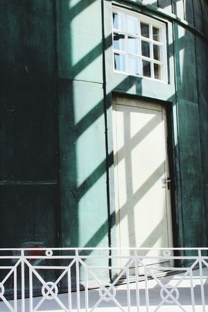 The City Light дверь Window Sunlight Schatten Light No People Blue Blau Und Weiß синий Doors Streetphotography