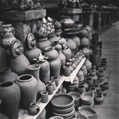 Pottery stalls like this always make me happy. :-D Nammabengaluru CMHRoad Pottery ArtInIndia Incredibleindia