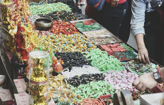 Choice Variation Market Stall Retail  Abundance For Sale Real People Market Freshness One Person Multi Colored Food Men Day Adults Only Outdoors Buying Price Tag Only Men People Chinese Culture Chinese New Year Lucky Charm