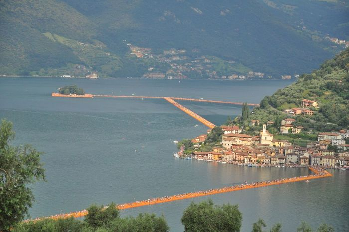 Christo & Jeanne-Claude Christo And The Floating Piers Christo Sulzano Floating Piers Lago D'Iseo