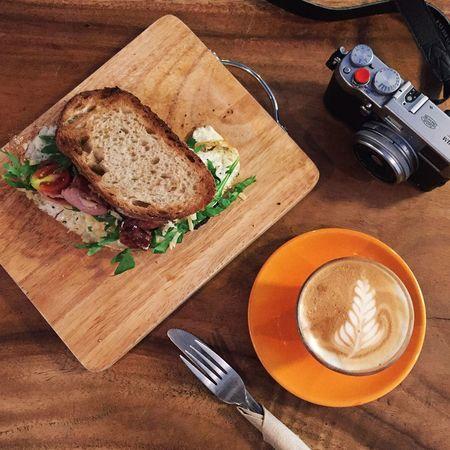 Enjoy the sandwich with a cup of Latte in Chiangmai . ☕️ Liquid Lunch Showcase: February Coffee Latteart Sandwiches Lunch Bruch Breakfast EyeEm Thailand ShotOniPhone6 IPhoneography EyeEm Best Shots FujiX100T My Favorite Breakfast Moment EyeEm X My Muesli - Breakfast Moment